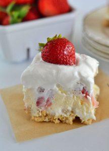 strawberry-cheesecake-lush-dessert