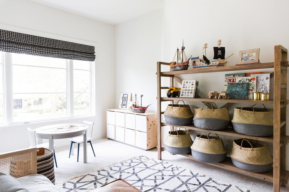 Shelving+and+Baskets+for+Toy+Storage+in+Coastal+Bohemian+Kids'+Playroom