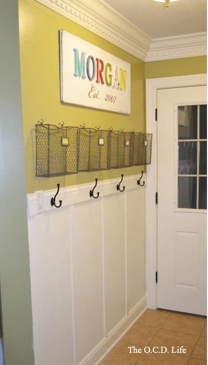 remodelaholic-mudroom-entryway-organizing
