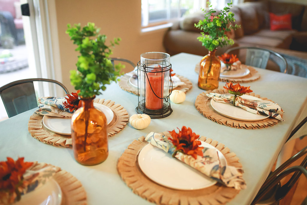 10 Gorgeous Thanksgiving Tablescapes