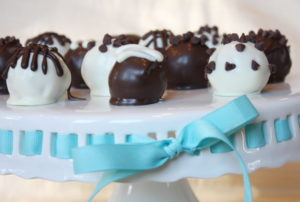 chocolate-chip-cookie-dough-truffles