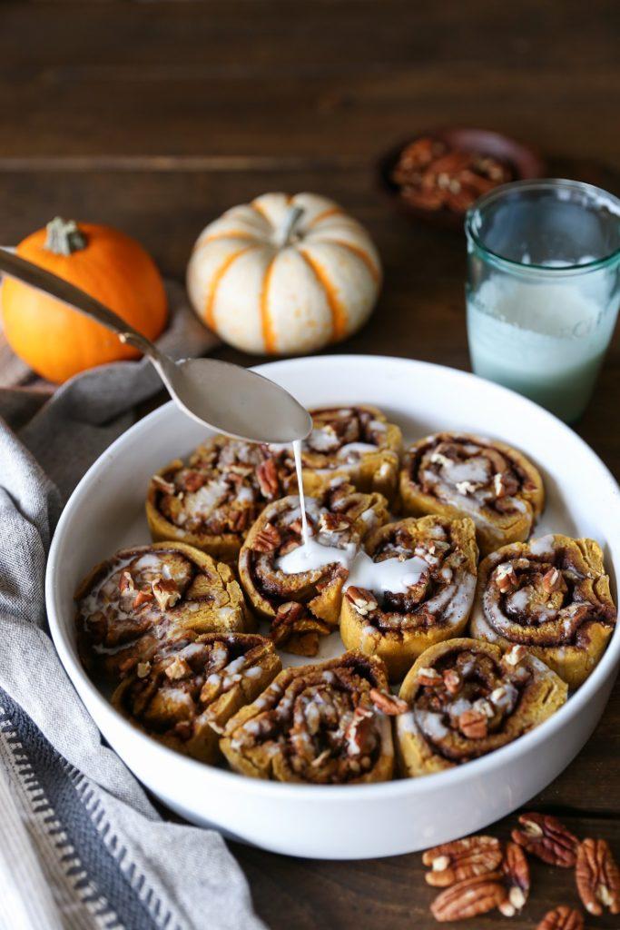 gluten-free-pumpkin-cinnamon-rolls